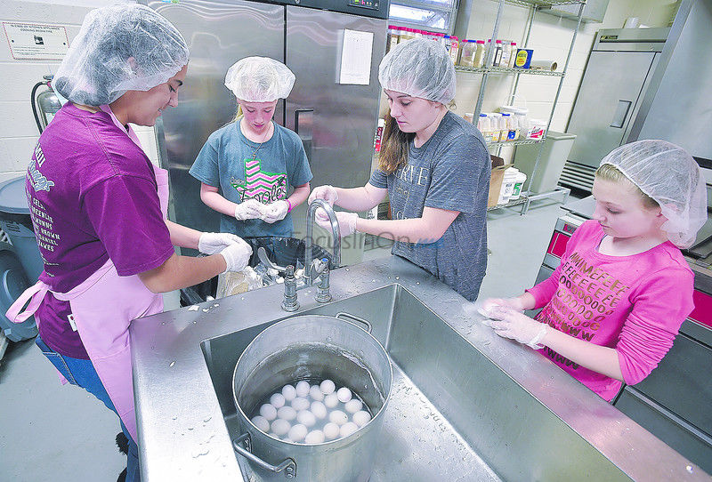 Volunteers prep for Thanksgiving at Salvation Army