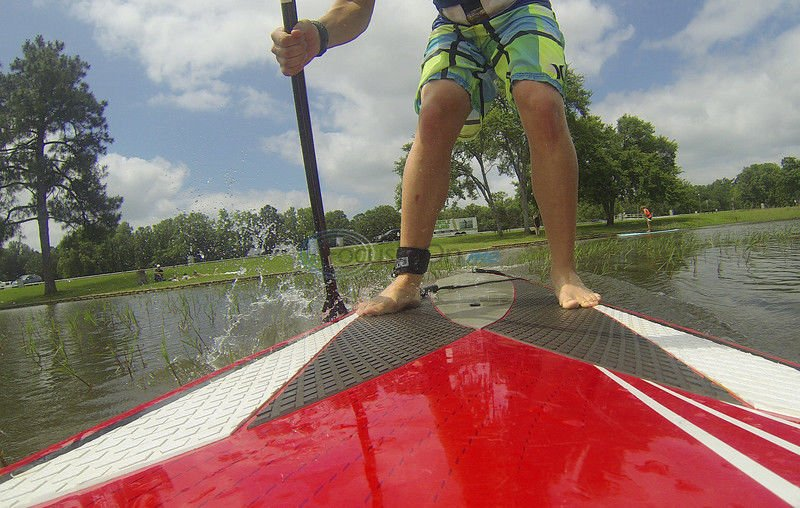 VIDEO: The family that paddles together works together