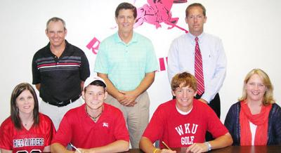Lee golfers sign with colleges