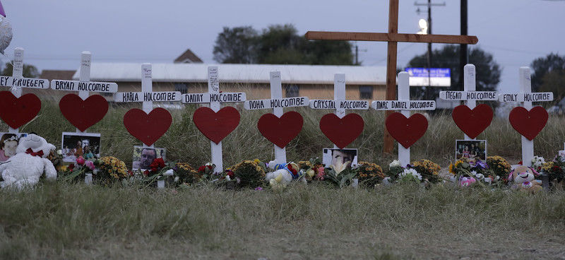 Hundreds line up for Texas church shooting funeral