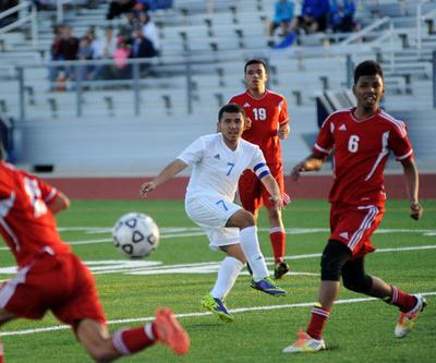Lions soccer hoping for similar season to last year