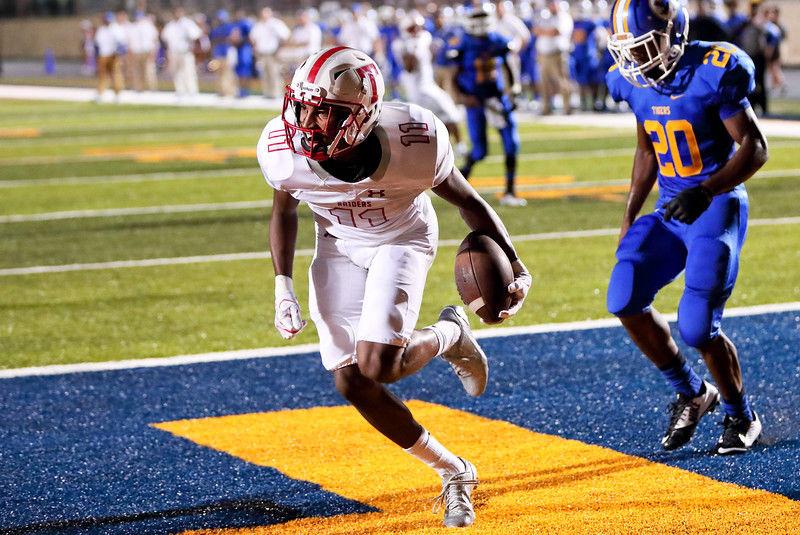 Robert E. Lee's Keashun Davis is Red Raiders' go-to receiver