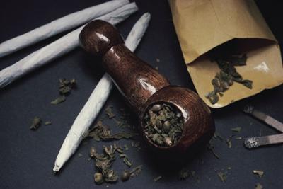 stock_pot_marijuana_drugs_illegal_substances_crime_arrest_911_2017