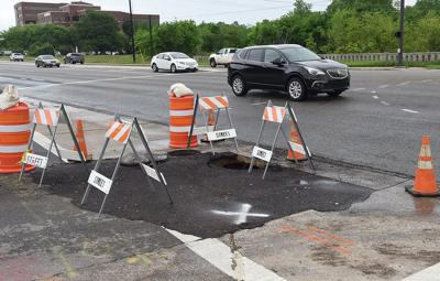 Sinkhole shuts down lanes at busy Tyler intersection