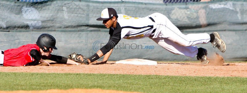 Carter pitches Lee to win
