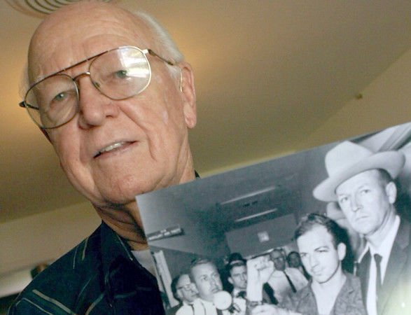 Former Dallas detective reveals moments with Lee Harvey Oswald