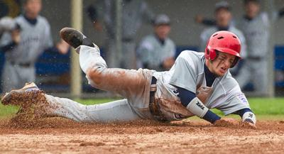 Tyler East rallies for win at World Series