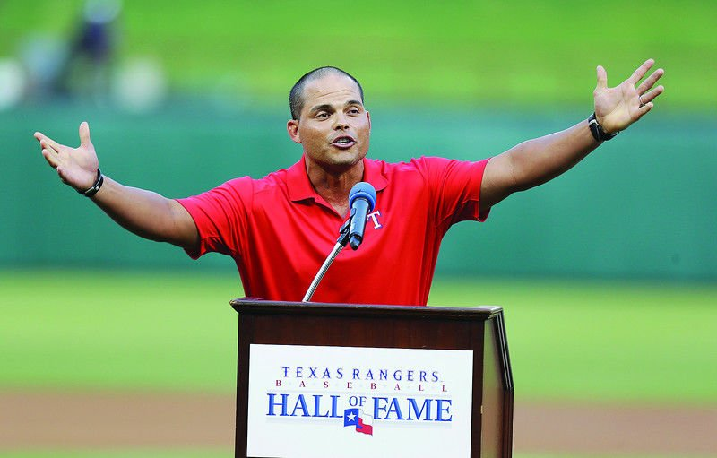 Pudge, Bagwell, Raines elected to Hall of Fame