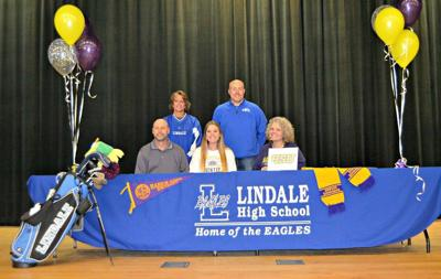 Simmons signs with H-S