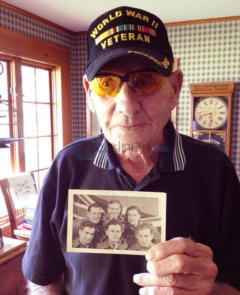 Former prisoner of war recalls captivity during World War II