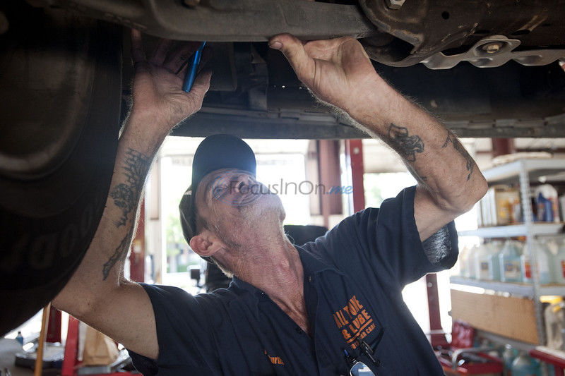 All Tune and Lube offers free oil change to police