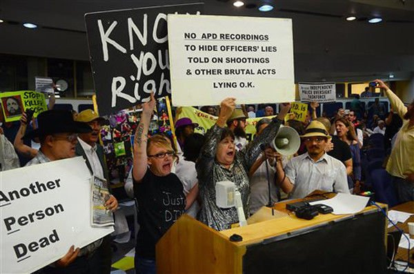 Albuquerque council gets set for meeting on police