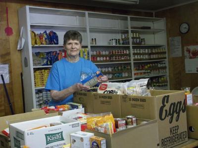 Food pantry serves needy in Brownsboro ISD