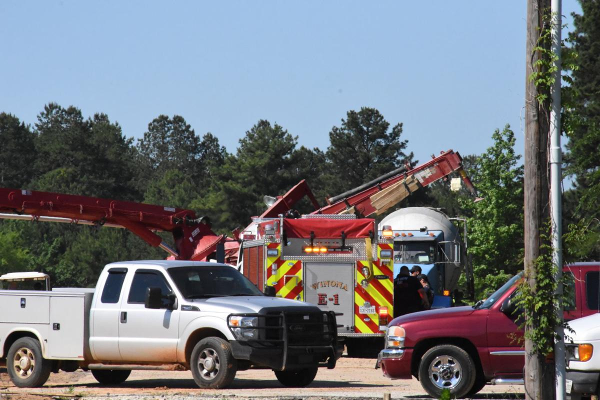 Concrete pump truck collapses at Smith County construction