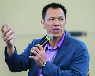 Former Dallas Cowboy, Texas Aggie Dat Nguyen speaks at United Way campaign kickoff
