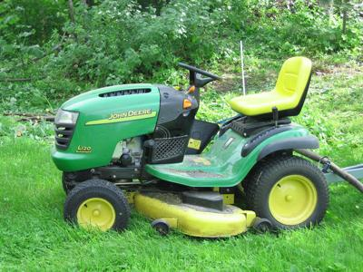 Pa. man charged with DUI on riding lawn mower