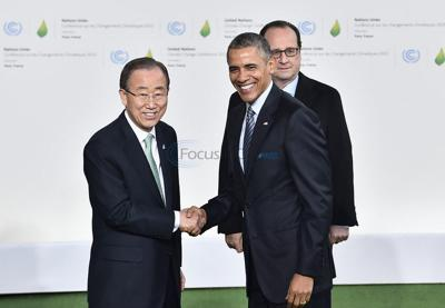 Global leaders meet in Paris to cut emissions at climate change talks