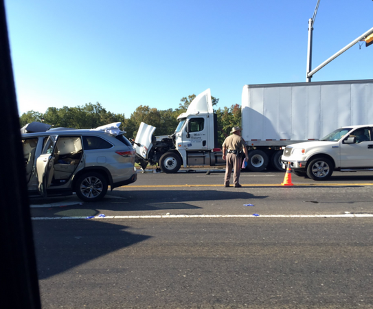 One person injured in wreck near Highway 64 and Spur 248 | Local