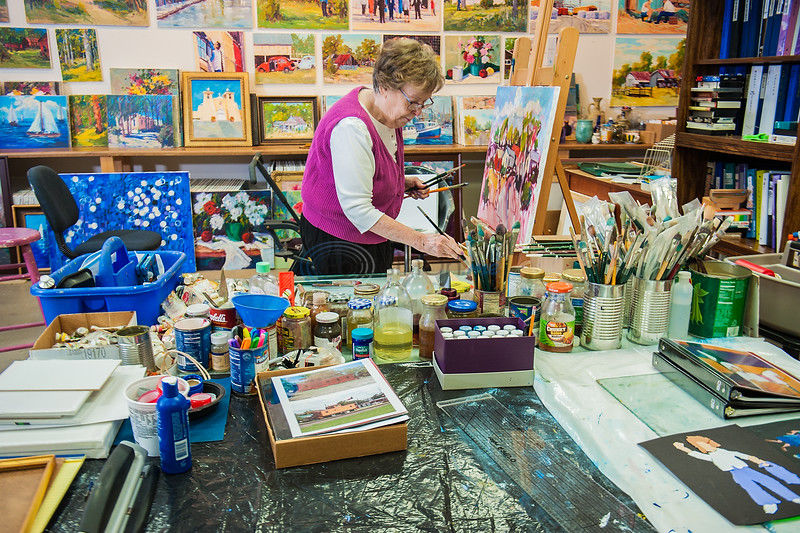 Artist Ellie Taylor captures the quiet scenes of the state she loves