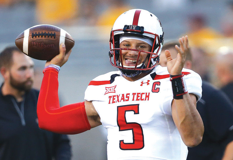 Big decision looms for Mahomes: NFL or return to Texas Tech?