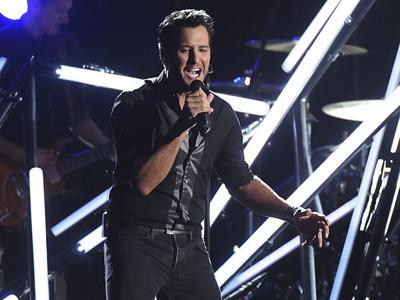 Country music's Luke Bryan slugs man who gave him the finger during concert, keeps singing