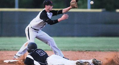 Heath routs Whitehouse in Game 1