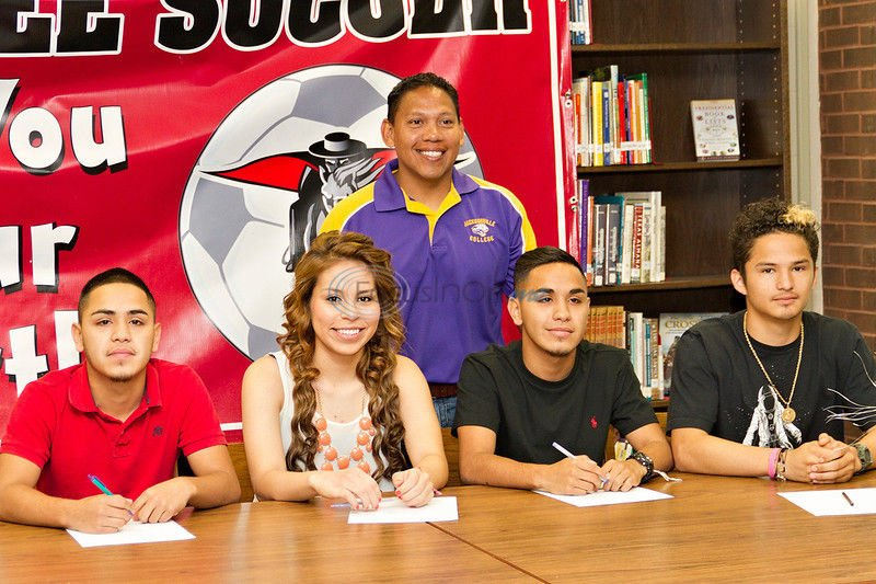 Lee soccer sends eight to East Texas schools