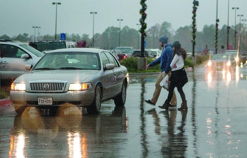 Rain soaks holiday shopping expectations