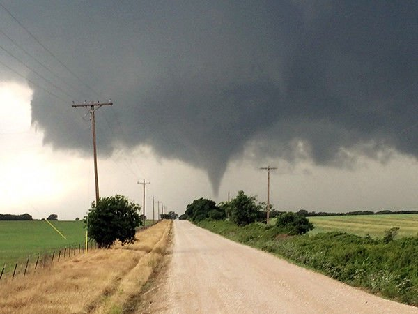 At least 1 dead as tornadoes move through North Texas on Saturday