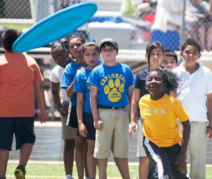 PHOTOS: Taking The Field - Elementary School Field Day