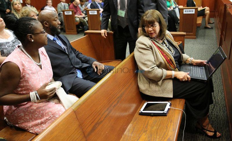 Juror says she owes Martin's parents apology