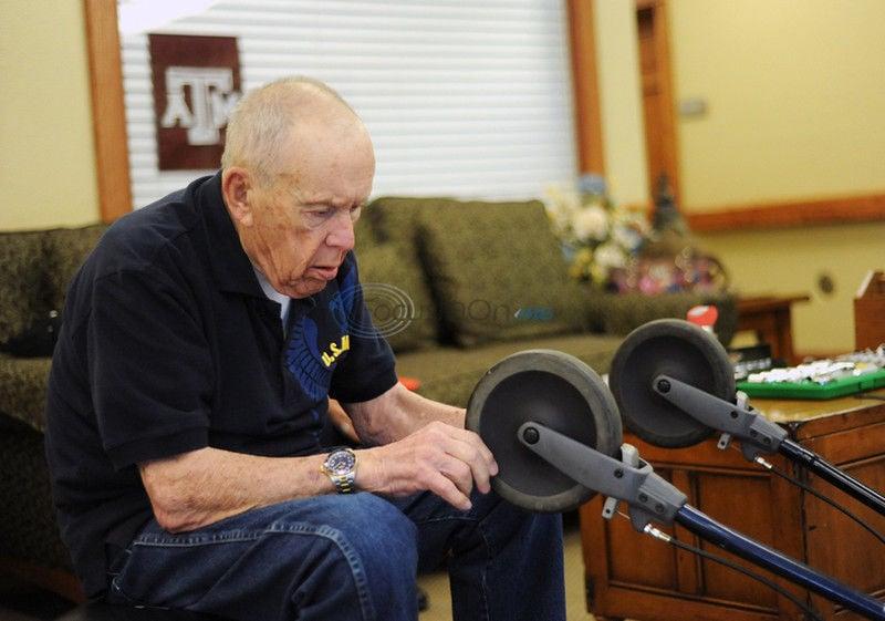 Handy Man: World War II veteran, former lawman pays it forward