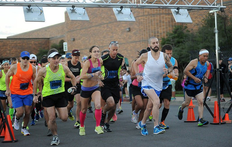 Marathoners tackle hilly course