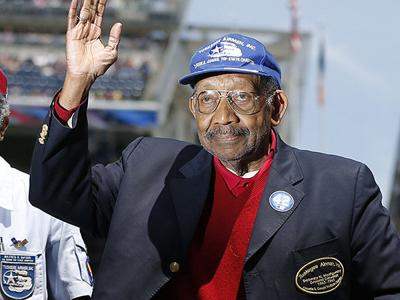 Dabney Montgomery, Tuskegee Airman who guarded MLK Jr. on 1965 Selma to Montgomery march, dies at 93