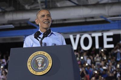 Obama campaigns in Nevada, visits California
