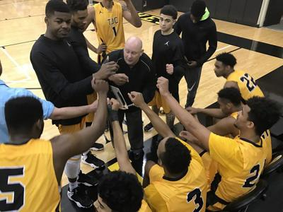 Apaches overcome late start, Lee College to stay unbeaten