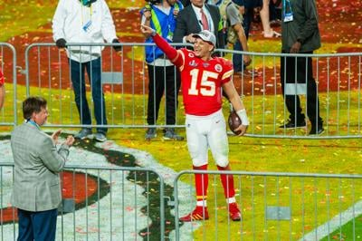 02152020_tmt_news_friends_Mahomes_Whitehouse8POINT.jpg