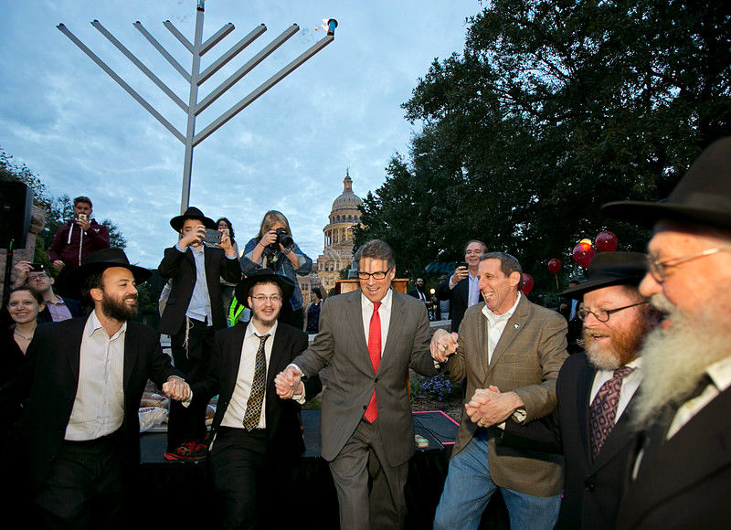 Perry likens Hanukkah to Boston Tea Party