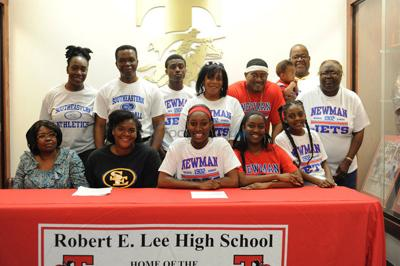 Lee's Thompson, David sign letters of intent