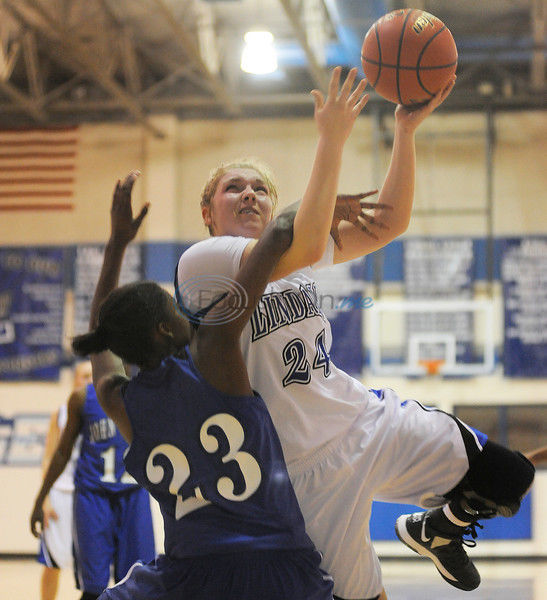 Head start: Lindale holds off JT in 16-4A opener