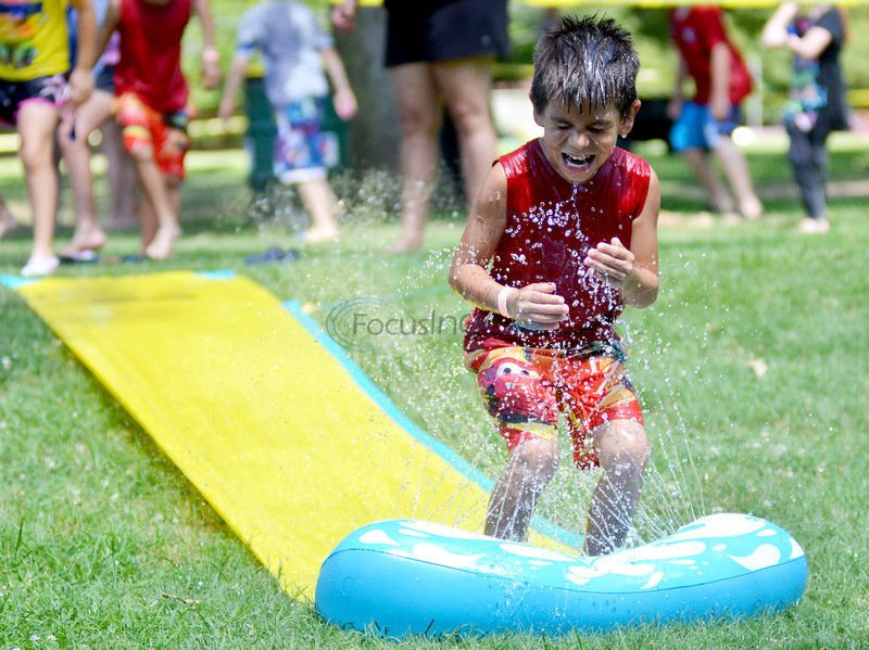 Water-balloon fight draws interest, becomes fundraiser in one week