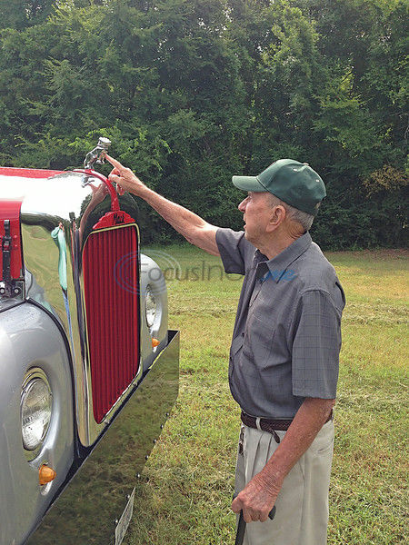 Peas, tractors & trucks: Man doesn't let age slow him down