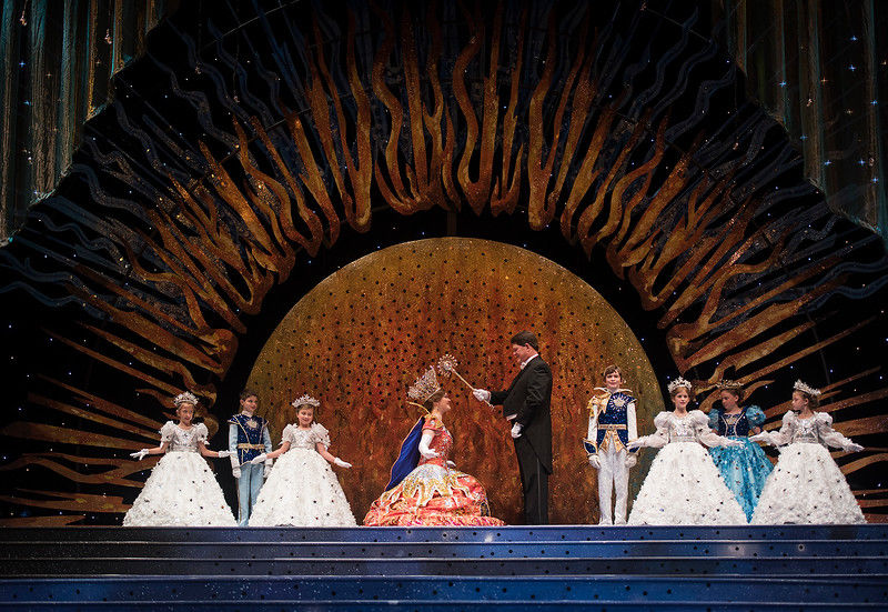 Rose Queen Emily Kaye Evans crowned at 84th Texas Rose Festival coronation