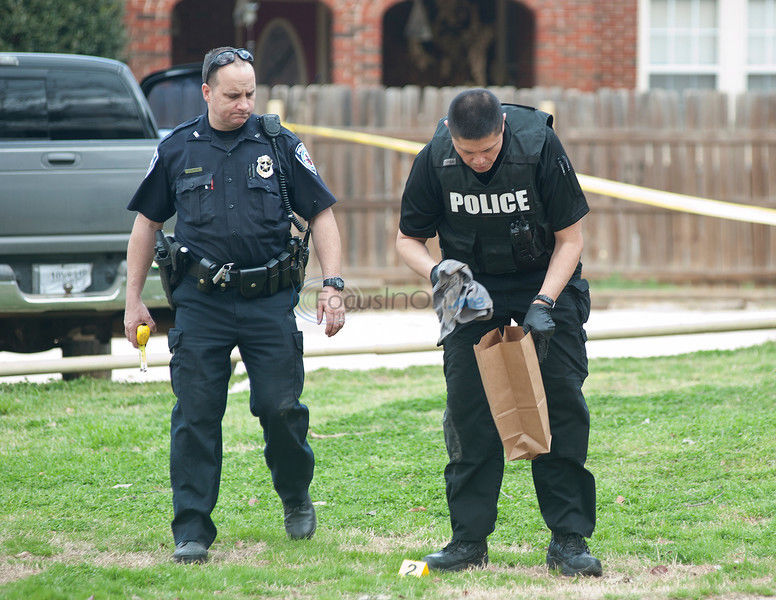 19-year-old shot in forehead; injuries not life threatening