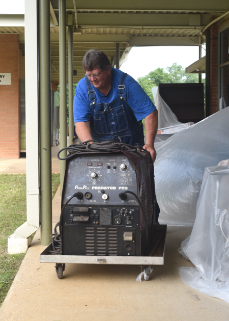 What a deal! Tyler ISD holds equipment sale