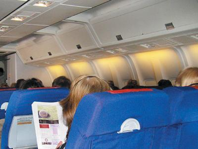 United Airlines: No more free overhead bin for luggage with cheapest fares