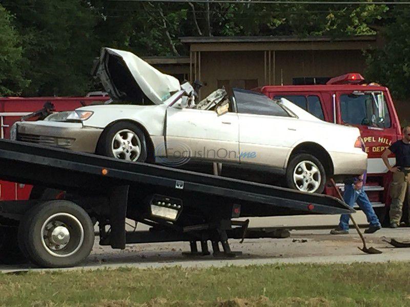 1 killed, 2 hurt in 2-vehicle crash