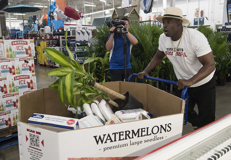 Deion Sanders goes on shopping spree at Sam's Club in Tyler to benefit tornado victims, Salvation Army