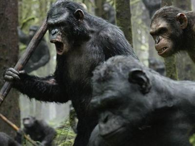 Review: 'Apes' makes a compelling but predictable summer sci-fi epic