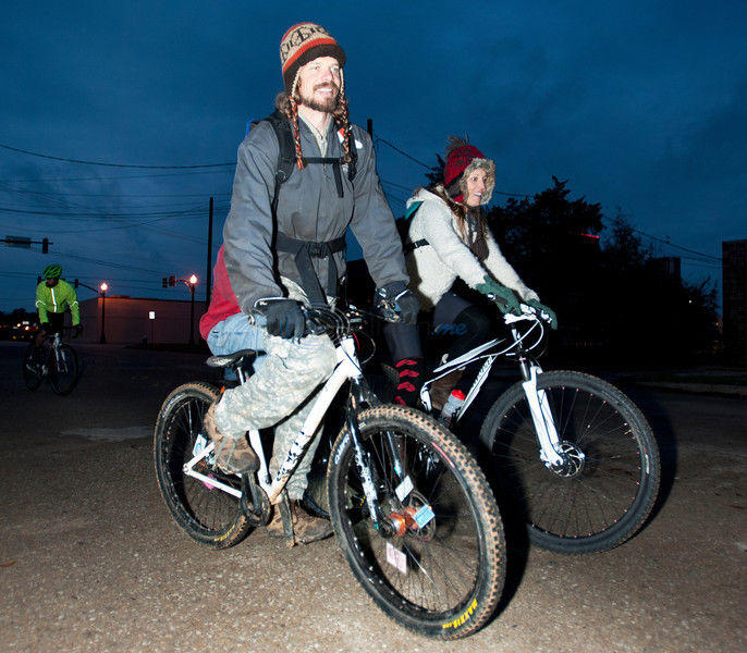 'Cranksgiving Event' - Meals on 2 Wheels: Charity bike ride provides meals, canned goods
